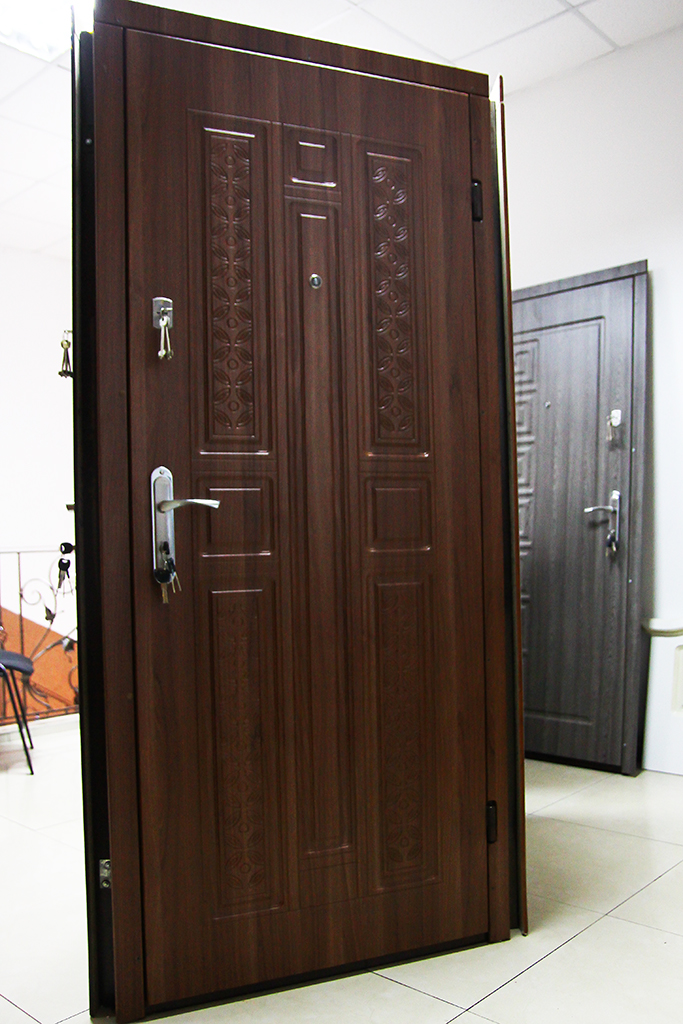 Магазин дверей VDim. Вхідні броньовані двері.