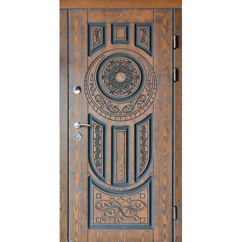 Двери входные с полимерными накладками №05026
